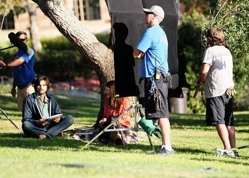 ashton-kutcher-filmset-jobs-12-06-18-12-comjpg 1990 x 1424 - Bildquelle: WENN...
