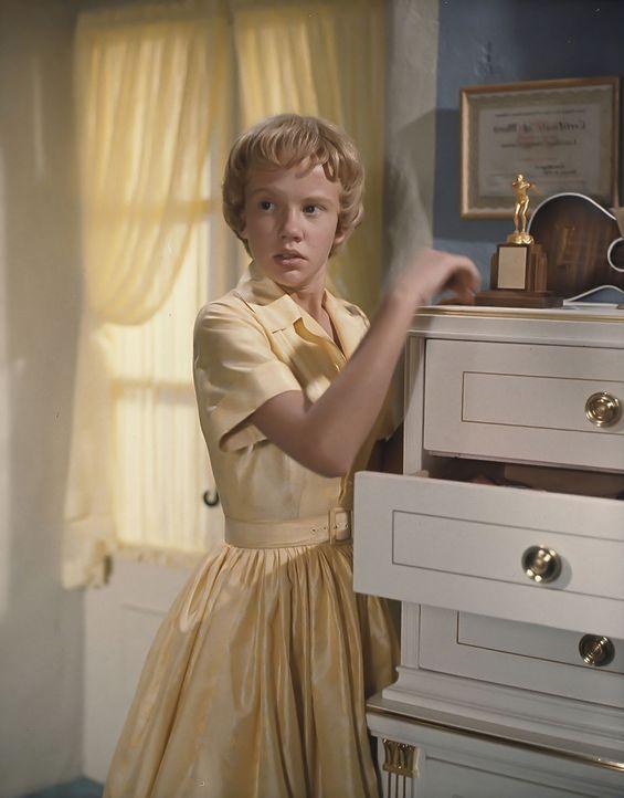 Als Sharon (Hayley Mills) zufällig in einem Feriencamp auf ihre verheimlichte Zwillingsschwester trifft, hecken die beiden Mädchen einen Plan aus, i... - Bildquelle: Walt Disney Company.  All Rights Reserved.