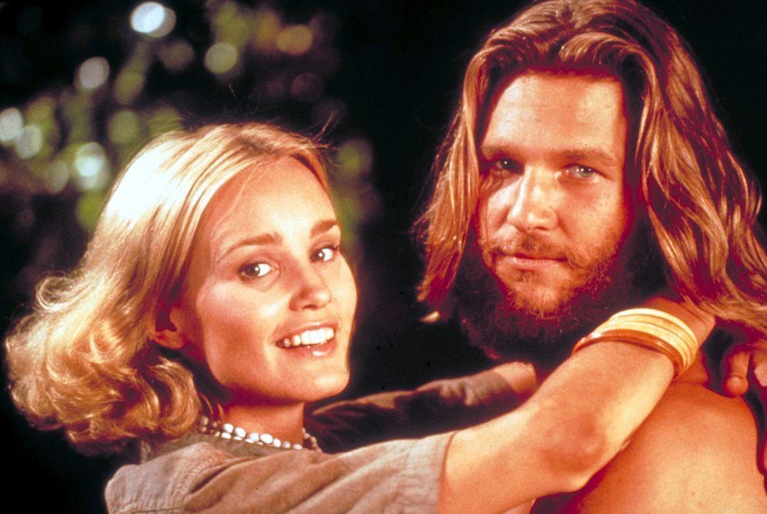 Auf der geheimnisvollen Insel im Pazifik freundet sich Jack Prescott (Jeff Bridges, r.) mit Dwan (Jessica Lange, l.) an. Doch dem Wissenschaftler er... - Bildquelle: Paramount Pictures