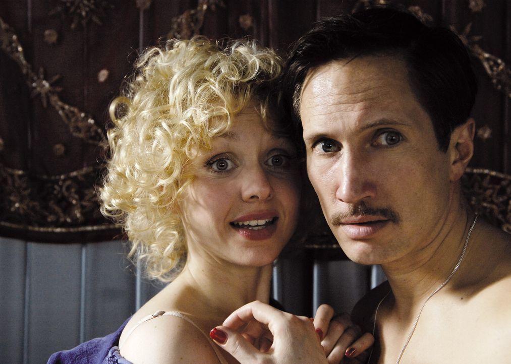 Erwischt! Jan (Benno Fürmann, r.) und Angie (Nadja Becker, l.) ... - Bildquelle: 2007 Constantin Film Verleih, München