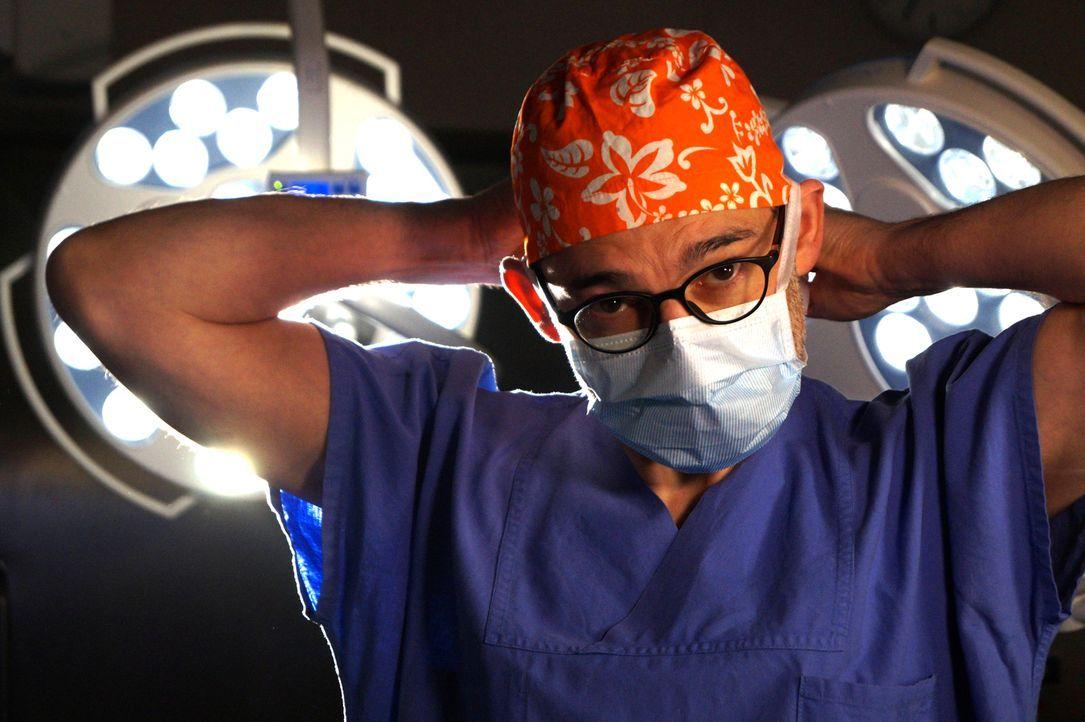 """""""Mein schrecklich schöner Körper"""" begleitet Patienten, die nach einer Schönheits-OP unglücklicher denn je sind. Prof. Fansa steht ihnen bei und bewe... - Bildquelle: SAT.1"""
