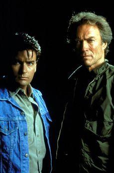 Rookie - Der Anfänger - Nick Pulovski (Clint Eastwood, r.) ist ein Cop, der s...