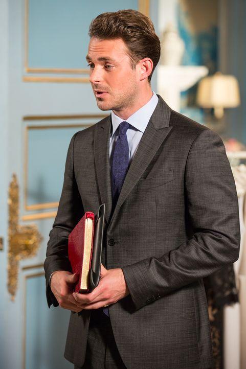 Ist Spencer Hoenigsberg (Jules Knight) auf Helenas oder Cyrus Seite? - Bildquelle: Colin Hutton 2016 E! Entertainment Television, LLC