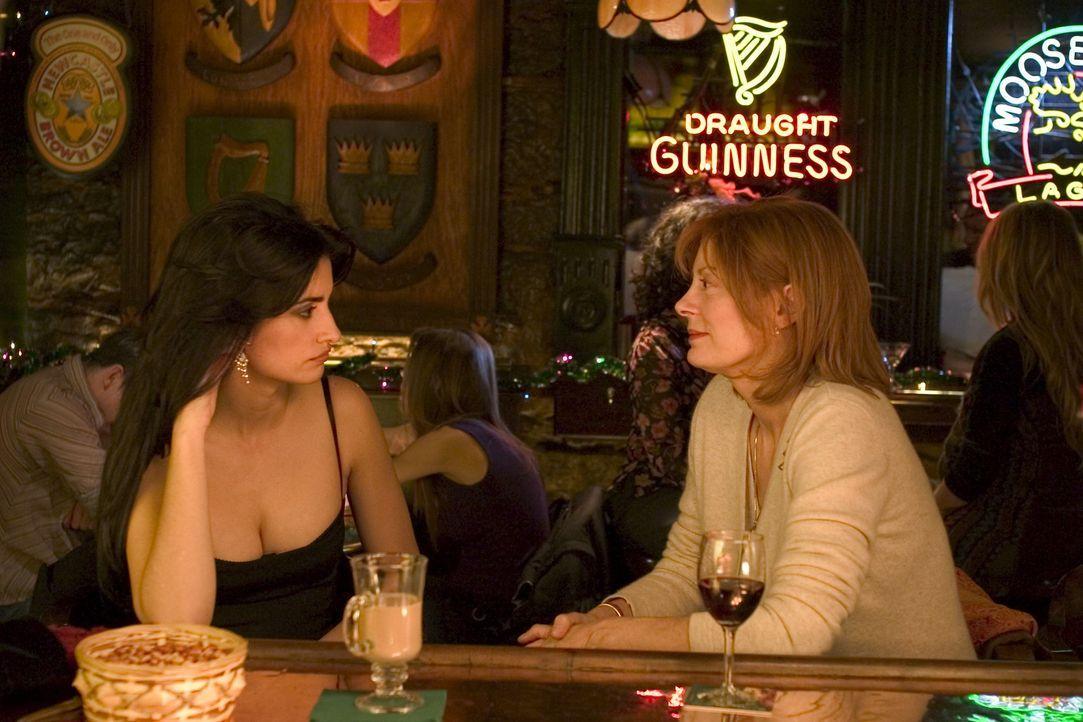 Durch ihre überraschende Begegnung stellen Nina (Penélope Cruz, l.) und Rose (Susan Sarandon, r.) fest, dass Wunder geschehen können ... - Bildquelle: Red Rose Productions LLC