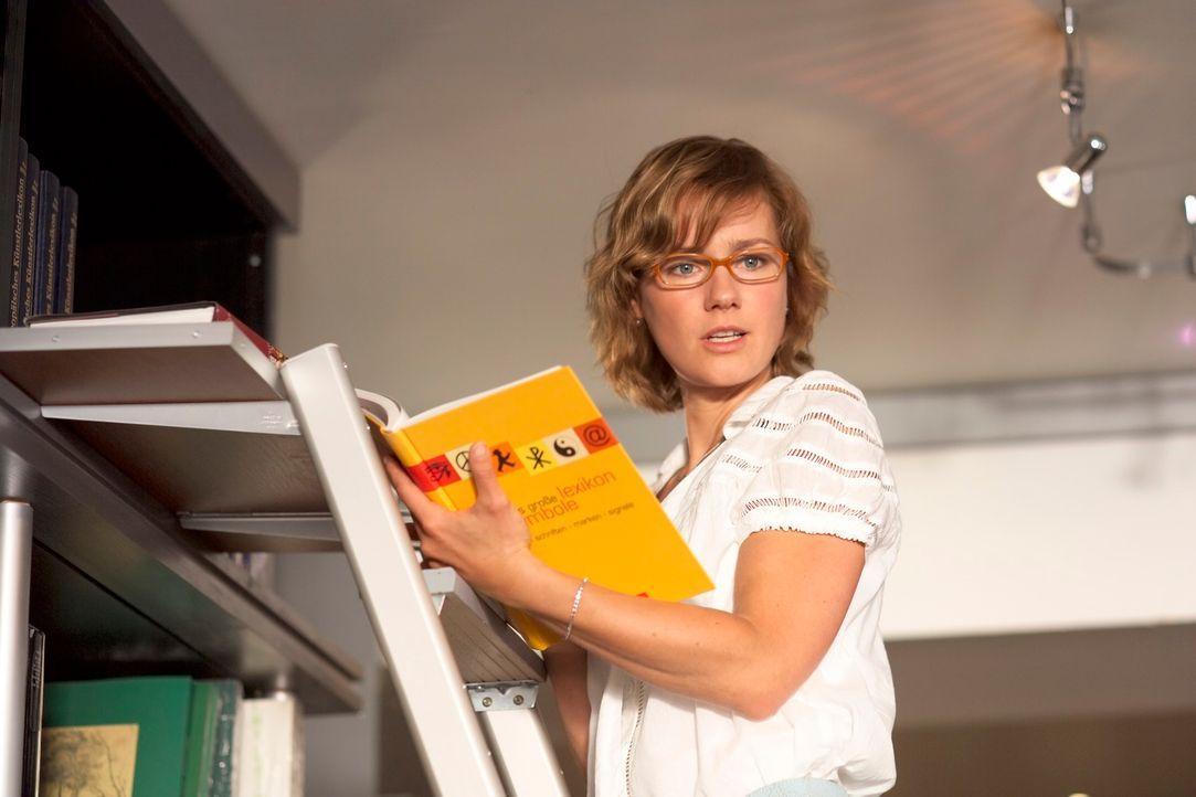 Valerie (Rhea Harder) steckt in einer Zwickmühle: Soll sie ein Versprechen brechen, um Unheil abzuwenden? - Bildquelle: Walter Wehner ProSieben