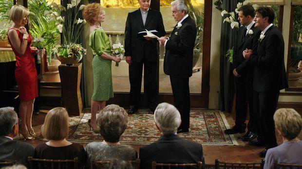 Der große Tag von Evelyn (Holland Taylor, 2.v.l.) und Teddy (Robert Wagner, 3...