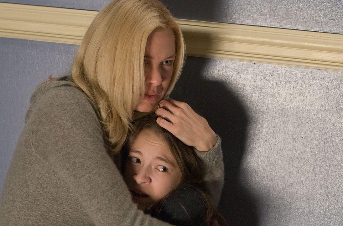38 Fälle hat Emily Jenkins (Renée Zellweger, l.) vom Jugendamt schon auf dem Schreibtisch, dann bekommt sie den 39., und der ist der Schlimmste: L... - Bildquelle: Kimberley French 2010 PARAMOUNT PICTURES.  All Rights Reserved.