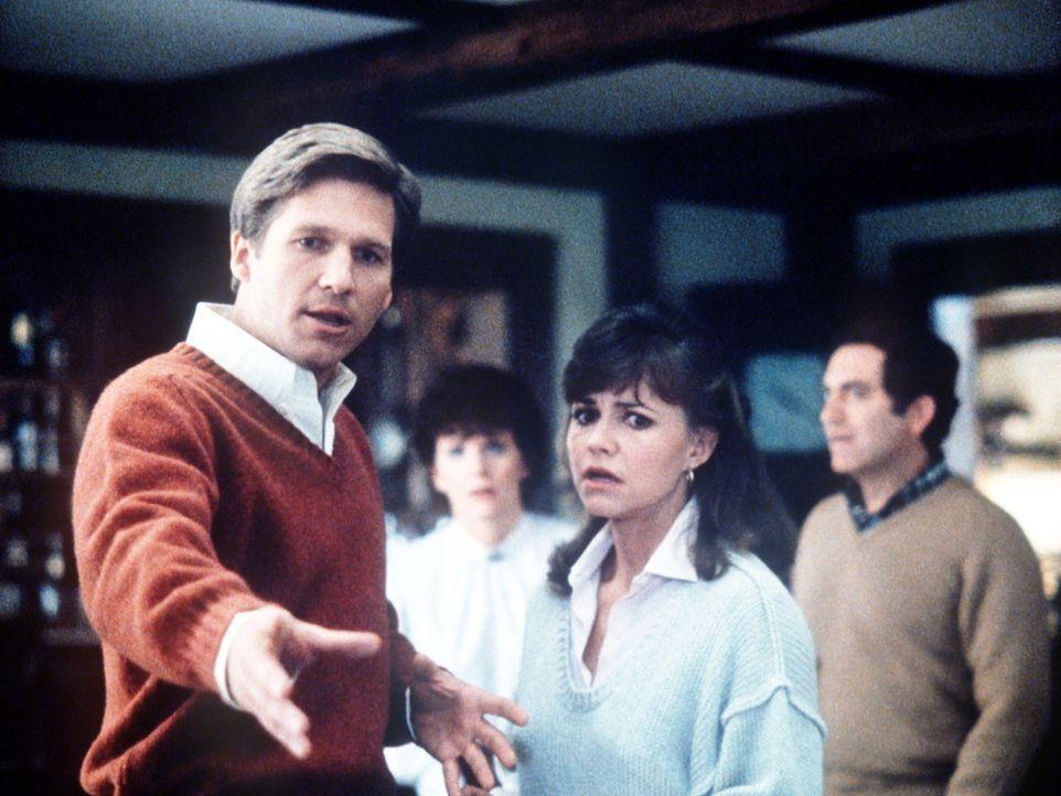 Rupert (Jeff Bridges, l.) wundert sich übers Kays (Sally Field, r.) seltsames Verhalten ... - Bildquelle: Twentieth Century Fox Film Corporation