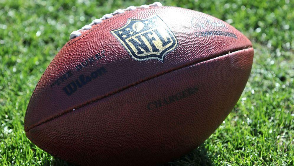 Weihnachts-Gewinnspiel: Originaler NFL-Football zu gewinnen