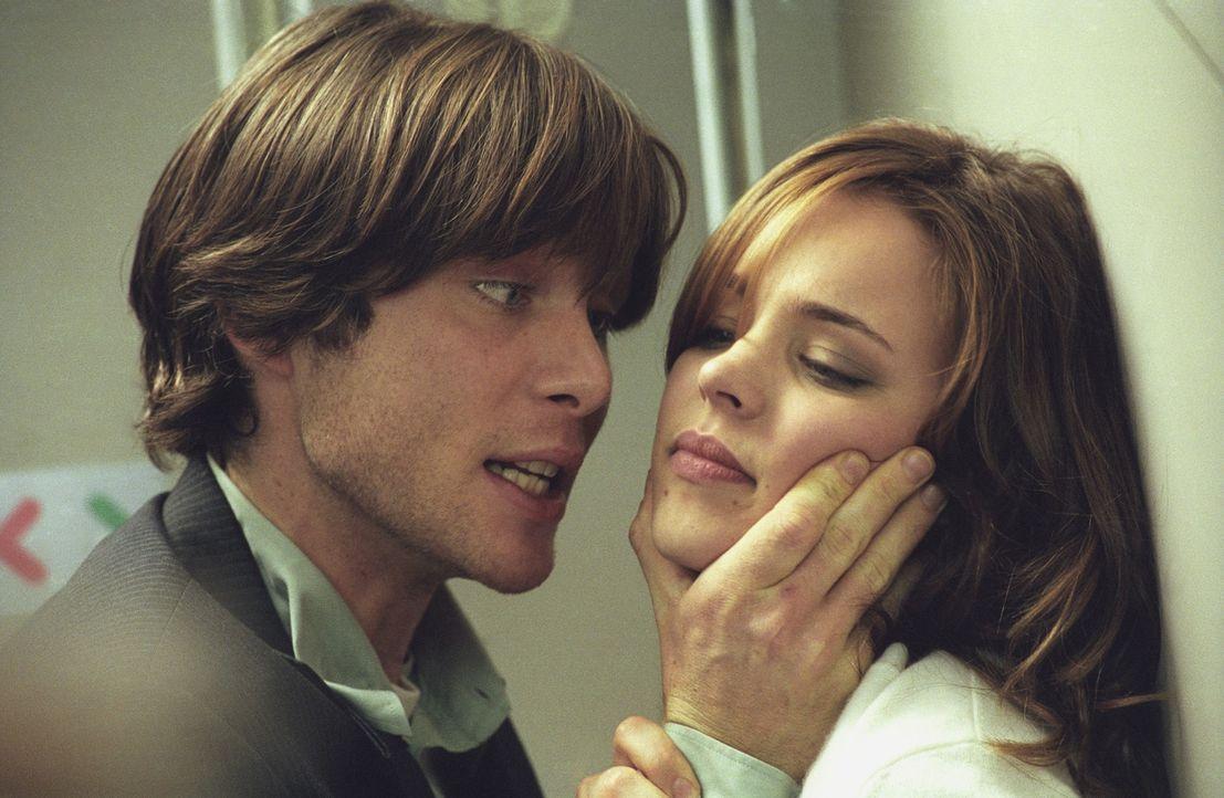 Weigert Lisa (Rachel McAdams, r.) sich zu kooperieren, dann lässt Jackson (Cillian Murphy, l.) ihren Vater Joe umbringen .... - Bildquelle: Telepool GmbH