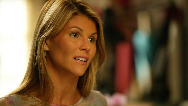 Ava (Lori Louhglin) ist traurig, da Susannahs Umzug nach New York unmittelbar...