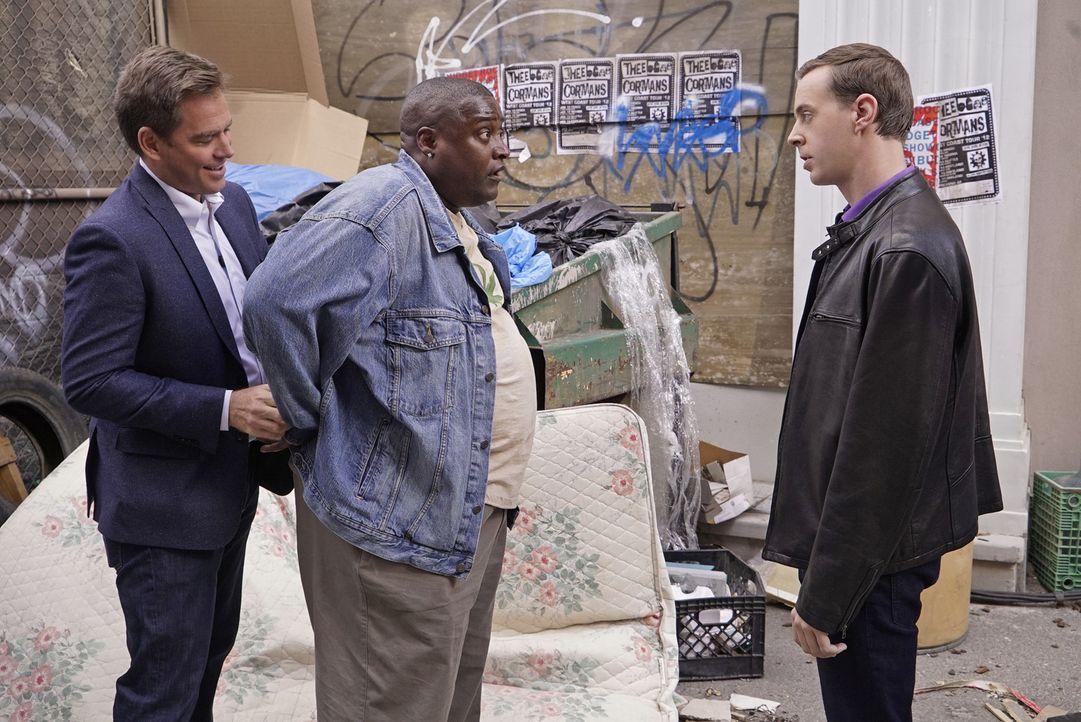 """Tony (Michael Weatherly, l.) und McGee (Sean Murray, r.) ermitteln in einem neuen Fall und stoßen dabei auf Francis 'Cheech' Del Conte (Billy """"Sly""""... - Bildquelle: Robert Voets CBS Television"""
