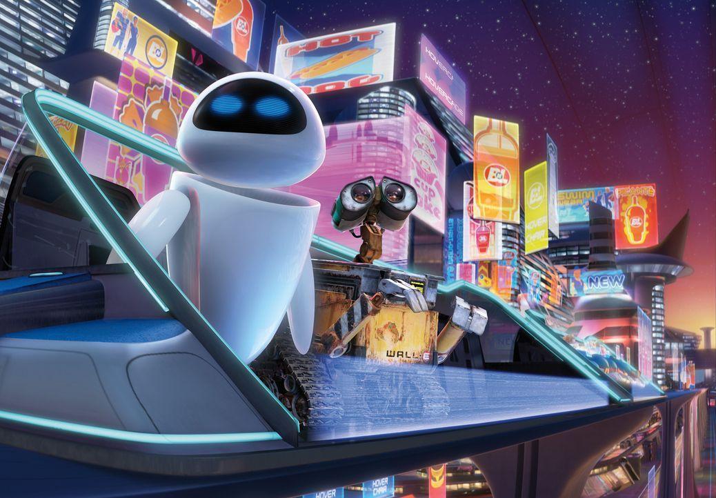 Wall-E verliebt sich auf Anhieb in die Roboterdame EVE. Diese zeigt jedoch zunächst keinerlei Interesse an dem Haushaltsroboter - sie muss ihre Mis... - Bildquelle: Touchstone Pictures