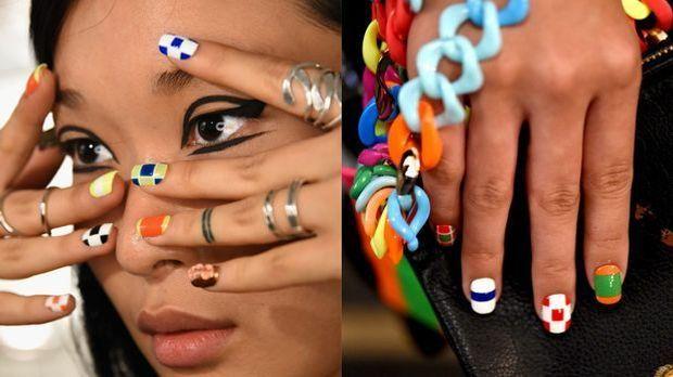 Fingernägel im grafischen Nail Art Design
