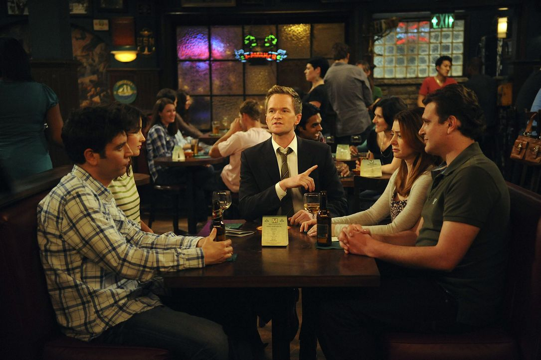 Gute Freunde: Ted (Josh Radnor, l.), Marshall (Jason Segel, r.), Barney (Neil Patrick Harris, M.), Lily (Alyson Hannigan, 2.v.r.) und Robin (Cobie S... - Bildquelle: 20th Century Fox International Television