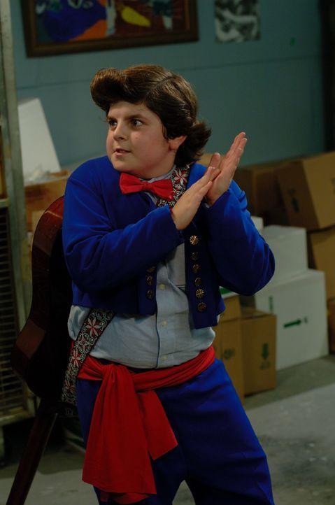 Ace Ventura Jr. (Josh Flitter) tritt in die Fußstapfen seines Vaters und versucht als Kinderdetektiv tierische Fälle zu lösen ...