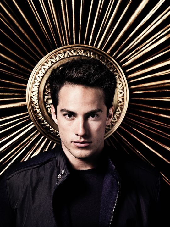 Michael Trevino ist Tyler - Bildquelle: Warner Bros. Entertainment Inc.