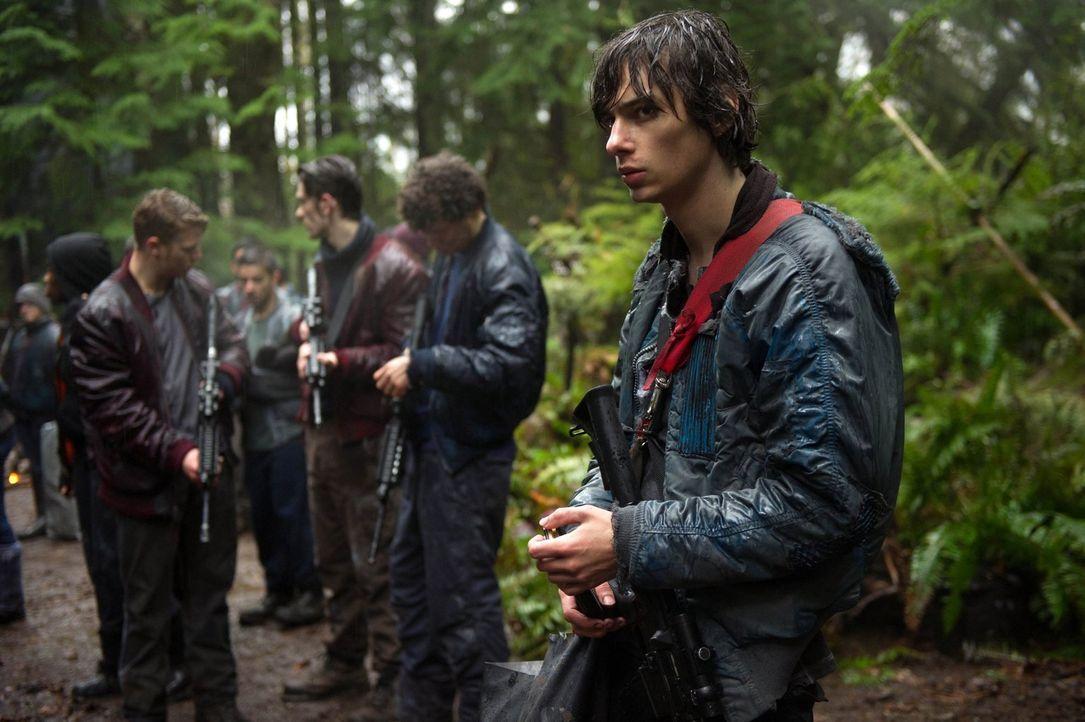 Nachdem Plan A gescheitert ist, setzen alle ihre Hoffnung auf Jasper (Devon Bostick). Kann er die hohen Erwartungen erfüllen? - Bildquelle: Warner Brothers