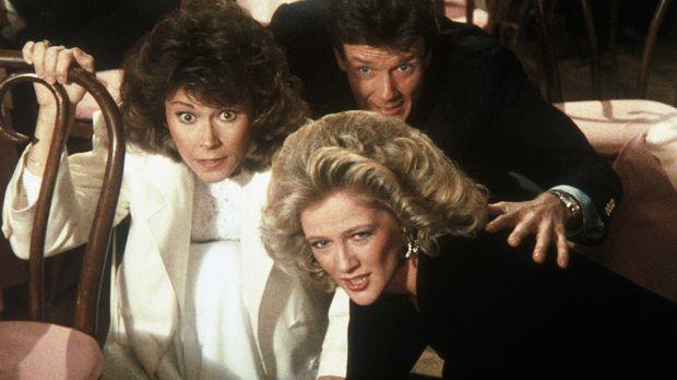Francine (Martha Smith, r.), Amanda (Kate Jackson, l.) und ihr Bekannter Bryc...