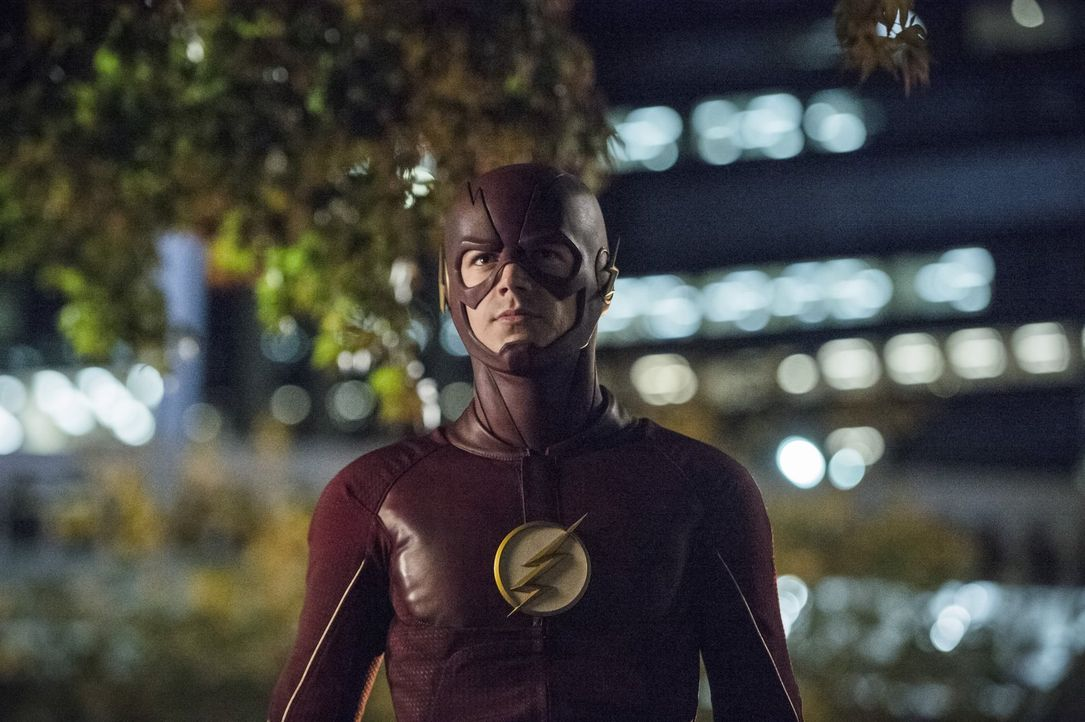 Barry alias The Flash (Grant Gustin) und seine Freunde sind mit der Rettung von Dr. Stein so beschäftigt, dass sie die Ankunft von zwei Meta-Wesen g... - Bildquelle: 2015 Warner Brothers.