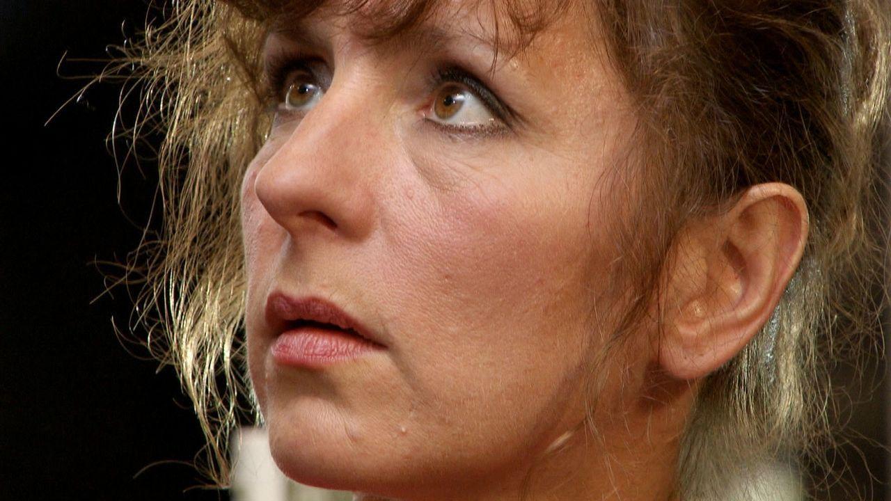 Acht Jahre nach dem Unfalltod ihres Mannes ist die 46-jährige Christa Lange wieder verliebt. Der erfolgreiche Drehbuchautor Georg sieht nicht nur b... - Bildquelle: SAT.1