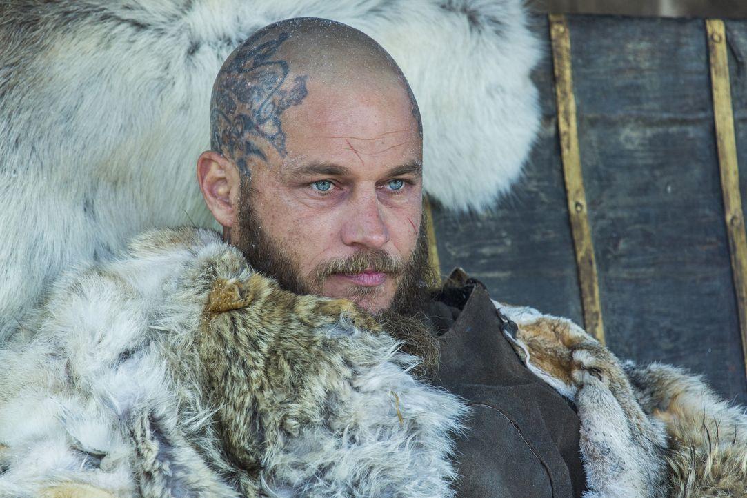 Ragnar (Travis Fimmel) entkommt dem Eingang nach Walhalla, doch als er in seinem Krankenbett in Kattegat liegt, ereignen sich Dinge, die außerhalb s... - Bildquelle: 2016 TM PRODUCTIONS LIMITED / T5 VIKINGS III PRODUCTIONS INC. ALL RIGHTS RESERVED.