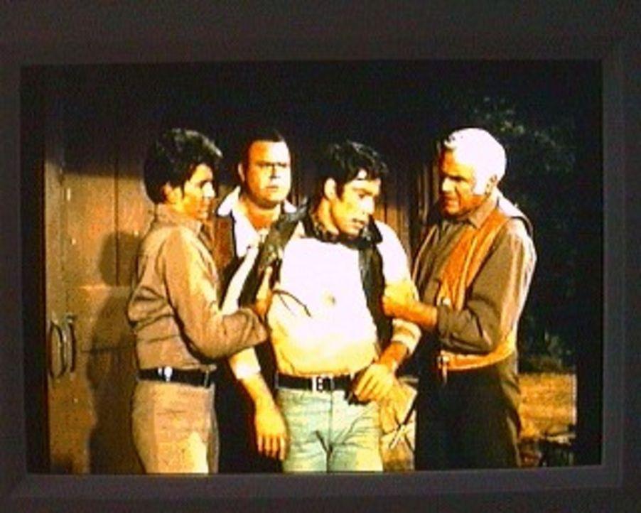 Der junge Ted ist besessen von Napoleon. Er hat sich mit einer Gruppe von Jugendlichen zusammengetan, um 'militärische' Aktionen - ganz im Stile des... - Bildquelle: Paramount Pictures