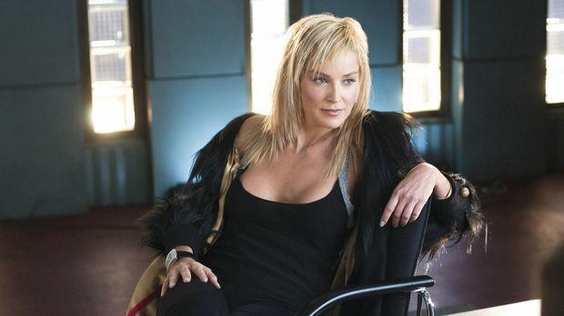 Catherine Tramell (Sharon Stone) schafft es immer wieder, die Männer in ihren...