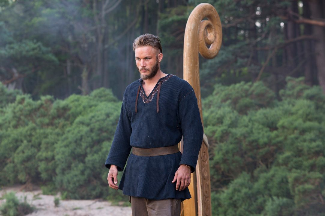 Wird Ragnar (Travis Fimmel) seine Pläne gegen den Willen des Lords durchsetzen können? - Bildquelle: 2013 TM TELEVISION PRODUCTIONS LIMITED/T5 VIKINGS PRODUCTIONS INC. ALL RIGHTS RESERVED.