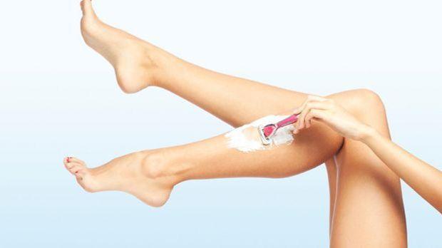 Durch die richtige Vorbereitung und Pflege nach dem Rasieren lassen sich Haut...
