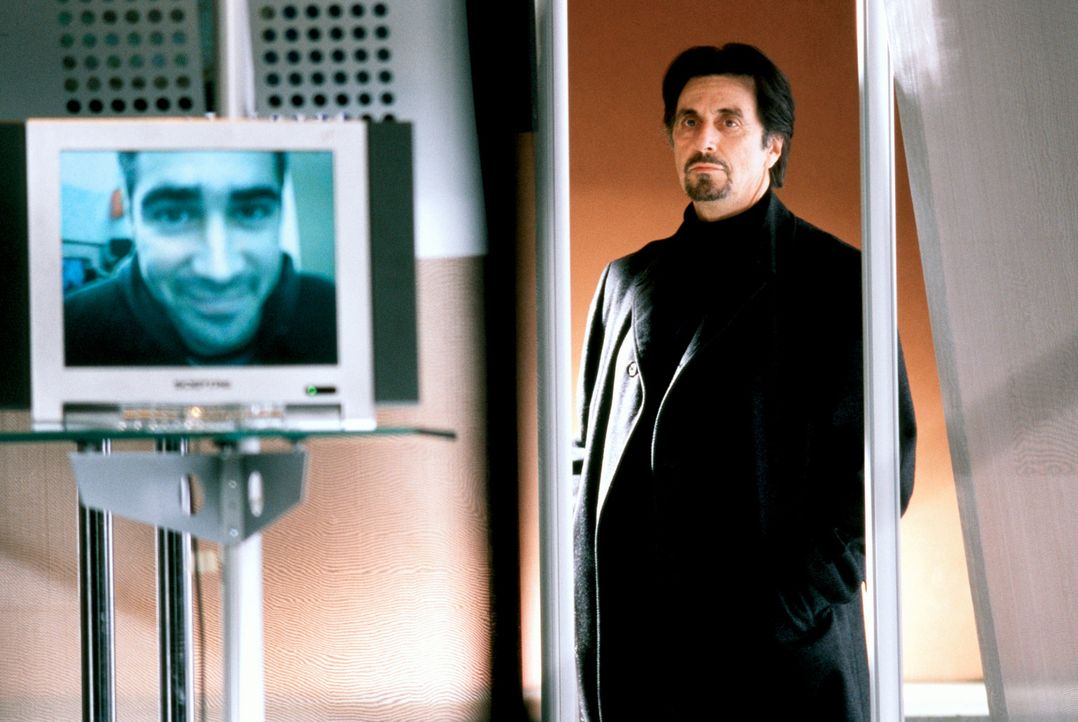 Kurze Zeit nachdem er ihn wegen Nichteignung entlassen hat, taucht CIA-Ausbilder Walter Burke (Al Pacino) mit einem undurchsichtigen Auftrag bei Jam... - Bildquelle: SPYGLASS ENTERTAINMENT GROUP.LP.ALL RIGHTS RESERVED