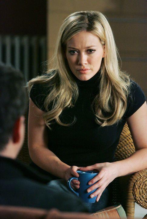 Elis (Jamie Kennedy, l.) Nachbarin Morgan Hilary Duff, r.) hütet ein dunkles Geheimnis ... - Bildquelle: ABC Studios