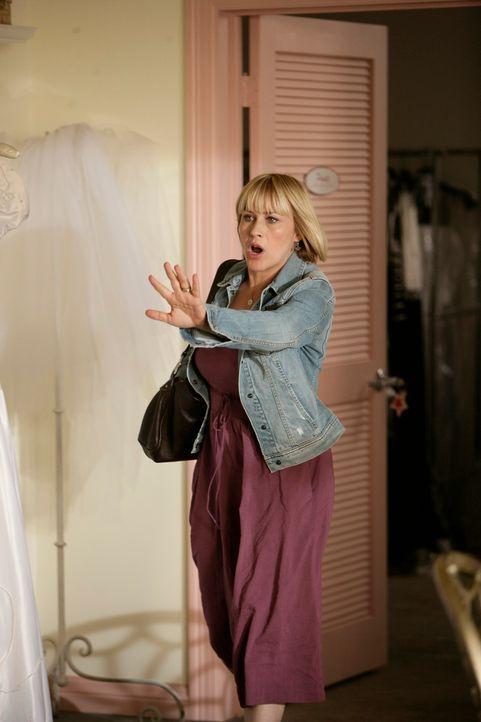 Bei der Suche nach einem passenden Ballkleid für ihre Tochter Ariel macht Allison (Patricia Arquette) eine grausame Entdeckung ... - Bildquelle: Paramount Network Television