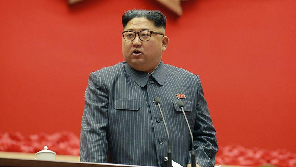 Nord- und Südkorea gehen aufeinander zu  - Bildquelle: Uncredited/KCNA via KNS/AP/dpa