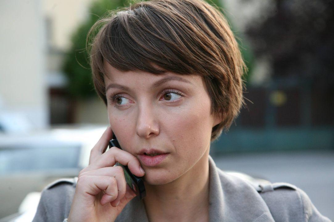 Die junge Kommissarin Lisa Binder (Julia Koschitz) glaubt, in Alexandras Freund den Täter gefunden zu haben. Doch dieser beteuert seine Unschuld ... - Bildquelle: SAT. 1
