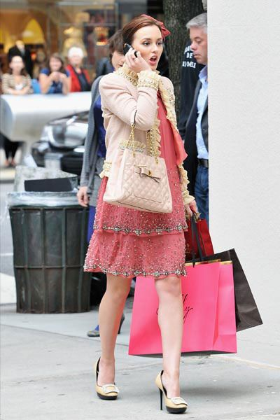 Leighton Meester im Shoppingwahn - Bildquelle: AFP