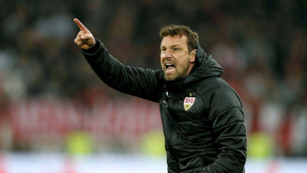 Weinzierl bleibt vorerst Trainer des VFB - Bildquelle: PIXATHLONPIXATHLONSID