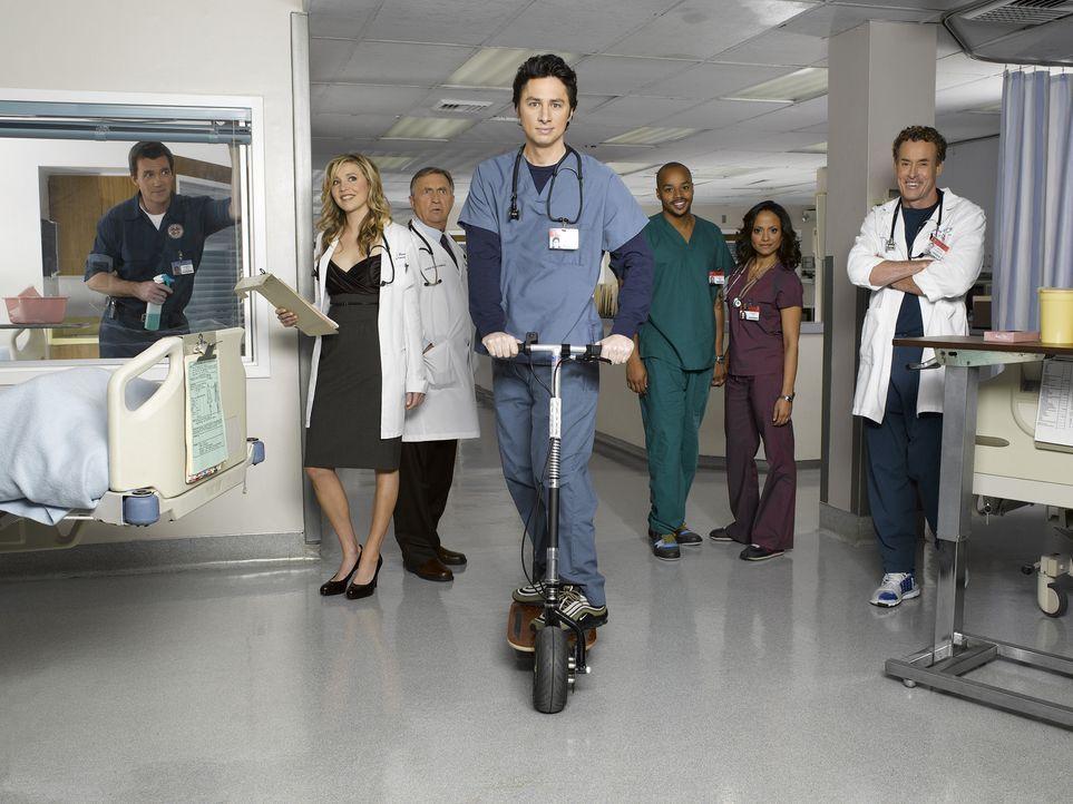 (6. Staffel) - Täglich fordert der Krankenhaus-Alltag den totalen Einsatz: (v.l.n.r.) Hausmeister (Neil Flynn), Elliot (Sarah Chalke), Dr. Bob Kelso... - Bildquelle: Touchstone Television