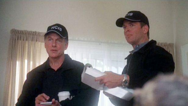 Navy CIS - Die Special Agents Leroy Gibbs (Mark Harmon, l.) und Anthony &quot...