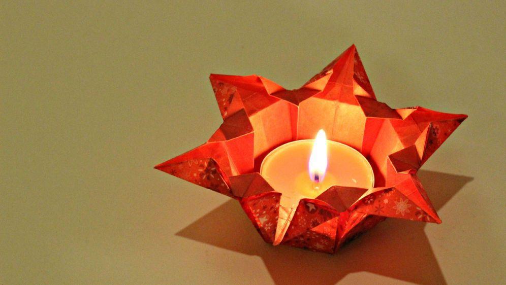 Weihnachtsdeko aus Papier - Bildquelle: pixabay.com