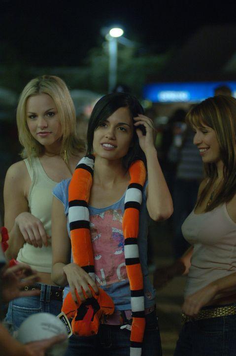 Kelly (Star LaPoint, l.), Zoe (Torrey DeVitto, M.) und Kim (Britt Leary, r.) sind zu jedem Spaß bereit - dass dabei das Leben eines Freundes auf de... - Bildquelle: 2006 Destination Film Distribution Company, Inc. All Rights Reserved.
