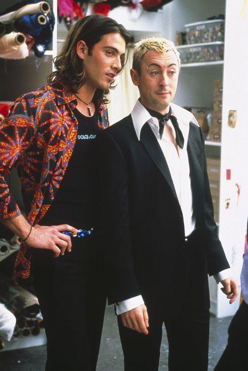 Die Herren von Dolce & Gabbana beäugen die entzückende Carrie. - Bildquelle: Paramount Pictures