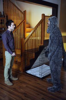 Wilfred - Ryan (Elijah Wood, l.) hat seiner Nachbarin versprochen auf ihren H...