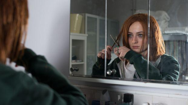 Fay Delussy (Sophie Turner) hat Angst, den Verstand zu verlieren, seitdem imm...