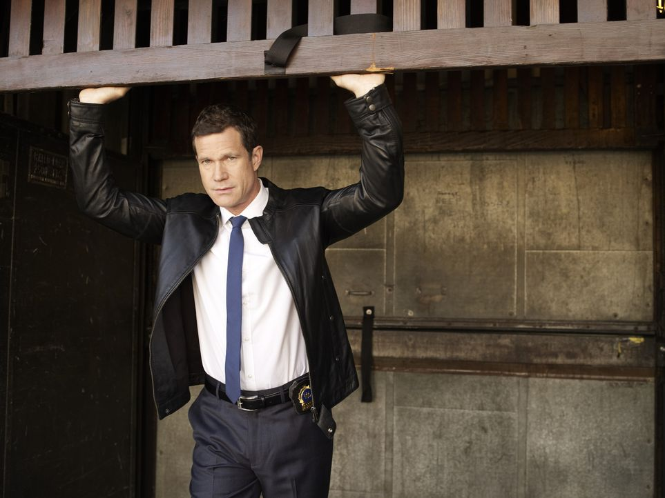 (1. Staffel) - Sagt Verbrechern den Kampf an: Detective Al Burns (Dylan Walsh) ... - Bildquelle: 2011 CBS Broadcasting Inc. All Rights Reserved.