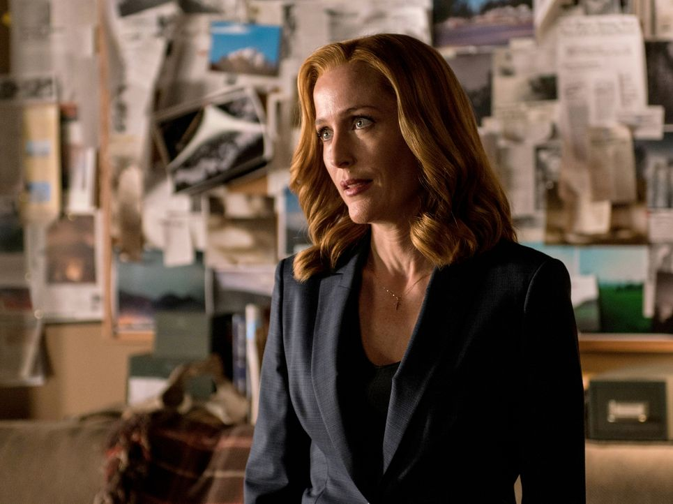 Eine Krankheitswelle lässt die Menschheit mit dem Tod kämpfen, nur Scully (Gillian Anderson) scheint auf Grund ihrer besonderen Alien-DNA immun zu s... - Bildquelle: 2016 Fox and its related entities.  All rights reserved.