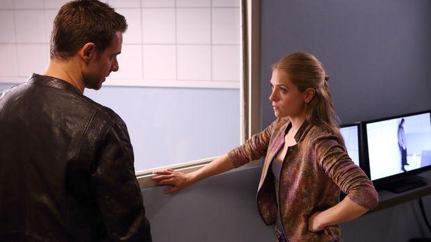 Aidan (David Sutcliffe, l.) und Clara (Brooke Nevin, r.) müssen befürchten, d...
