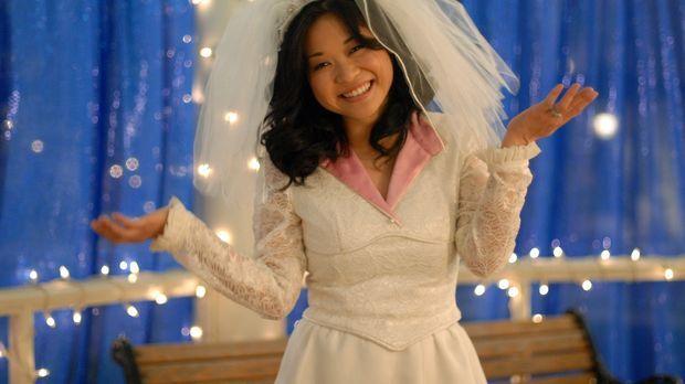 Nach langem hin und her hat Lane (Keiko Agena) nun endlich ihr Hochzeitskleid...