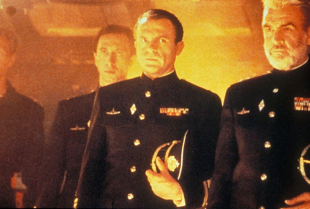 Die Amerikaner fürchten einen Atom-Angriff; die Russen glauben, dass er überlaufen will. Eine gnadenlose Jagd beider Mächte auf das U-Boot, Kapitän... - Bildquelle: Paramount Pictures
