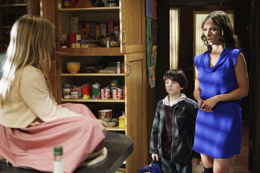Der Geist von Julia (Madison Leisle, l.) will Aiden (Connor Gibbs, M.) überreden, mit ihr ins Licht zu gehen. Melinda (Jennifer Love Hewitt, r.) ist... - Bildquelle: ABC Studios